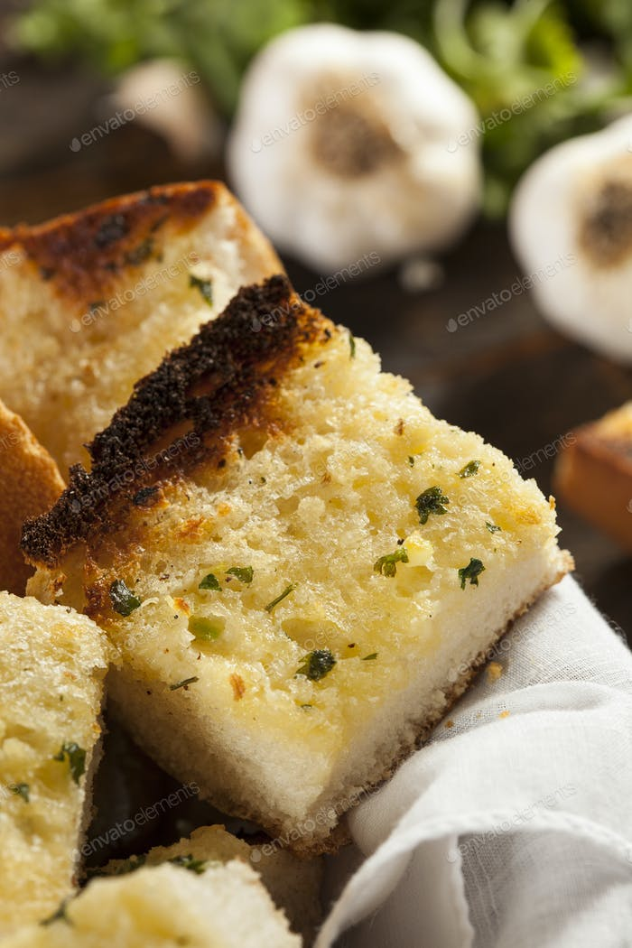 Homemade Crunchy Garlic Bread
