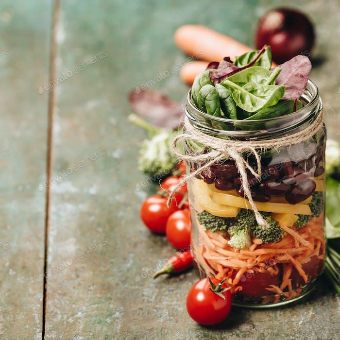 Healthy Homemade Mason Jar Salad