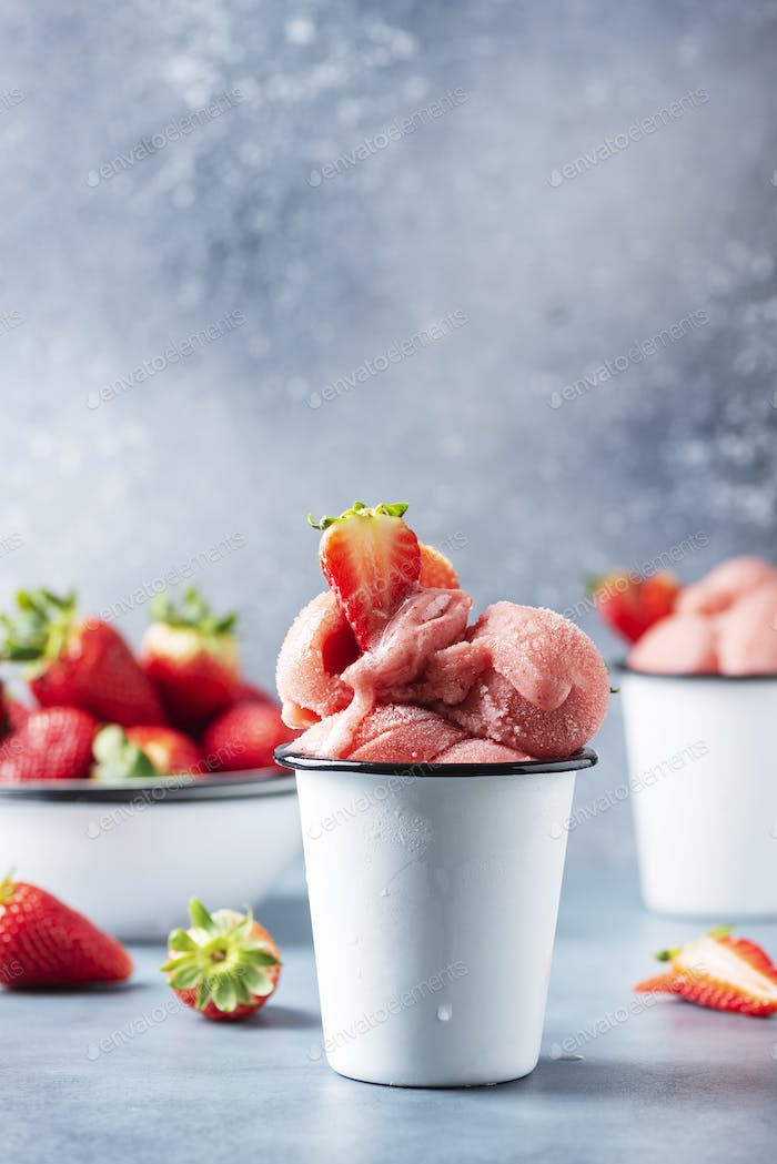 Summer strawberry ice cream