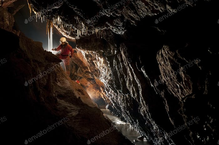 Höhlenforscher, Höhlenforscher Erkundung der U-Bahn