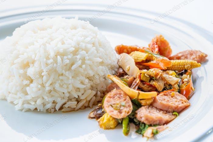 Thai saure Schweinefleisch oder Nham gebraten
