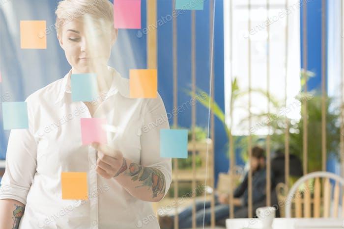 Woman finding an idea