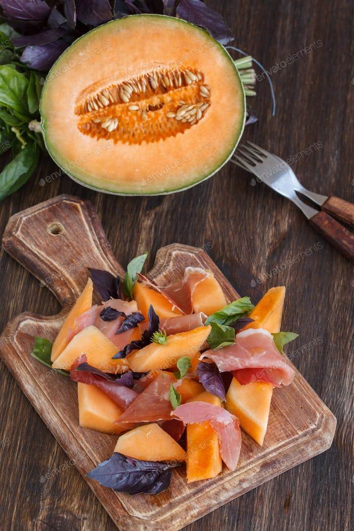 Appetizer, melon with jamon and Basil