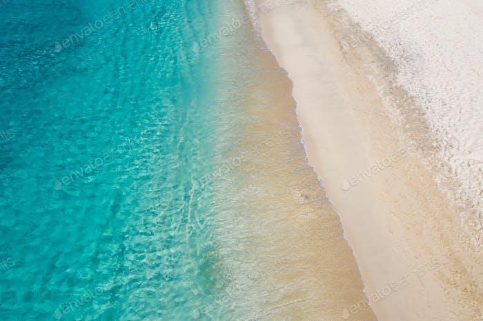Vista aérea de la playa de Laginha en la ciudad de Mindelo en la isla de Sao Vicente en Cabo Verde