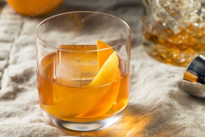 Boozy Bourbon altmodischer Cocktail