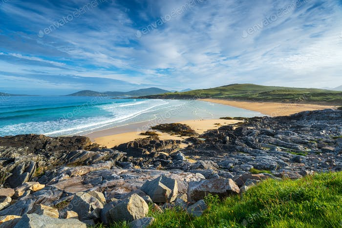 A sunny morning at Traigh Lar beach at Seilebost