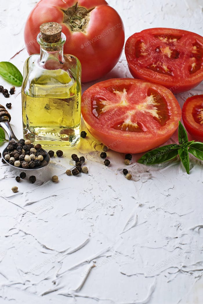 Ripe tomato, basil and olive oil