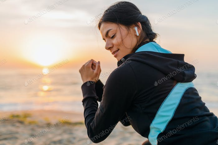 woman doing sports in morning