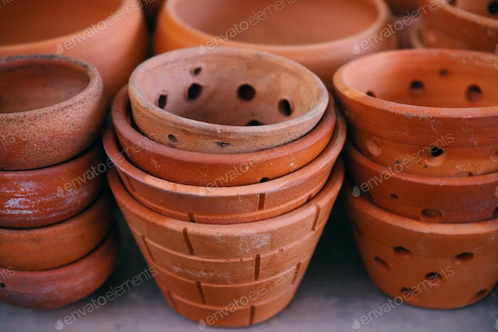 The clay pots in the gardening retail shop