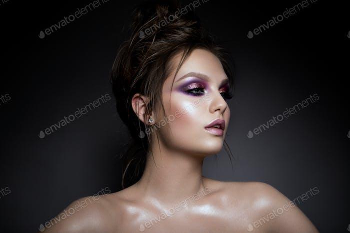 Schöne Frau mit professionellen Make-up