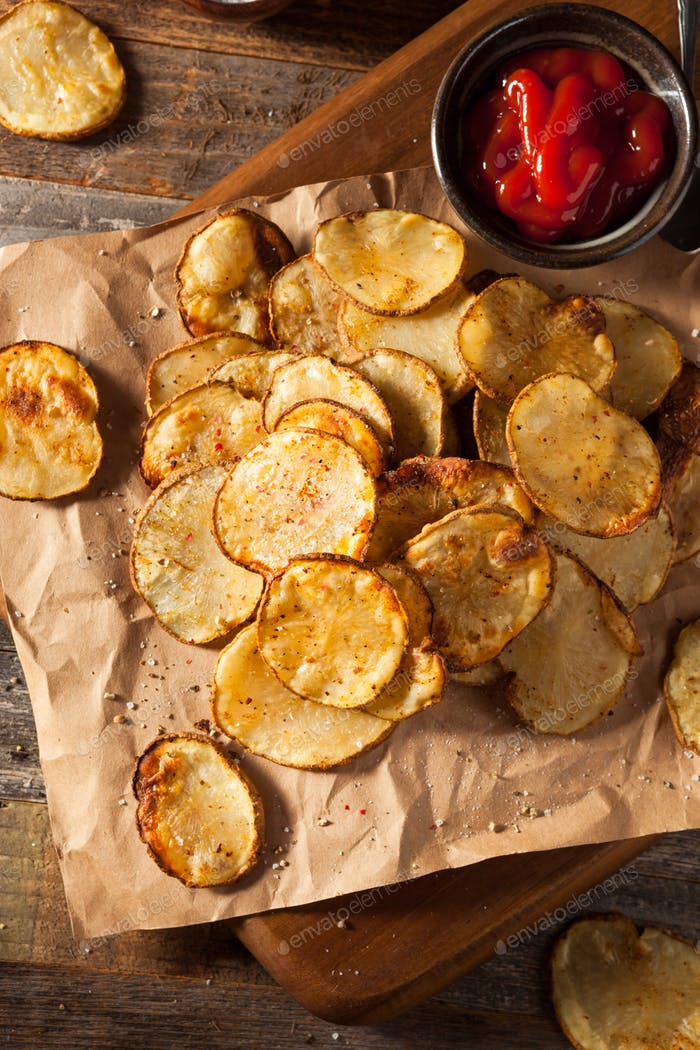Homemade Spicy LIme and Pepper Baked Potato Chips