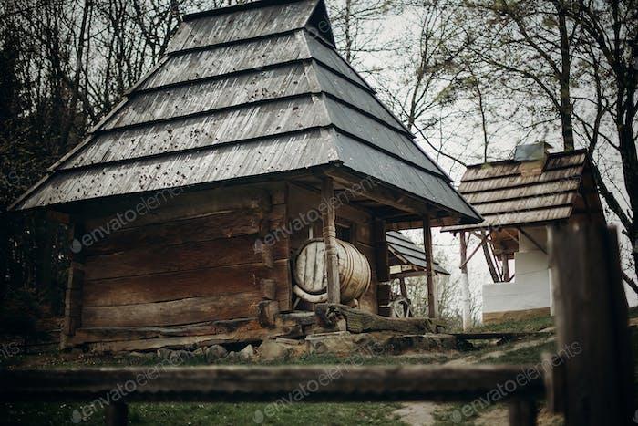 Этническая деревянная складское здание в Скандинавии