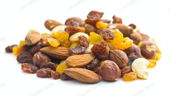 mixture of nuts and raisins