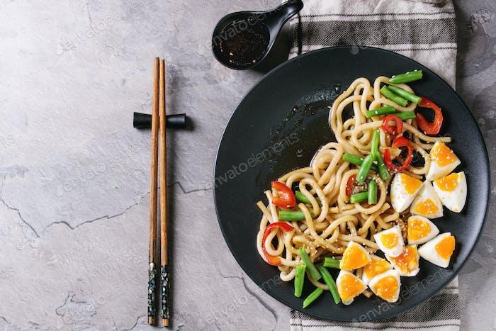 Stir fry udon noodles