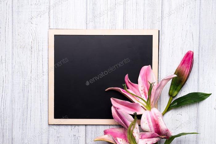 Tafel mit Blumen