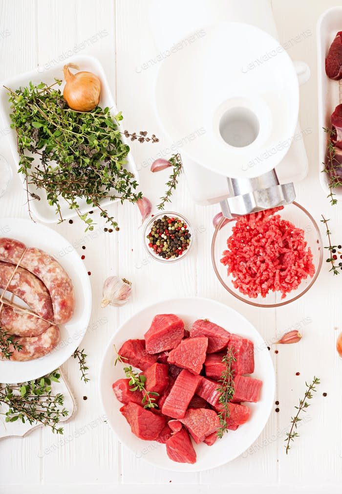 Chopped raw meat