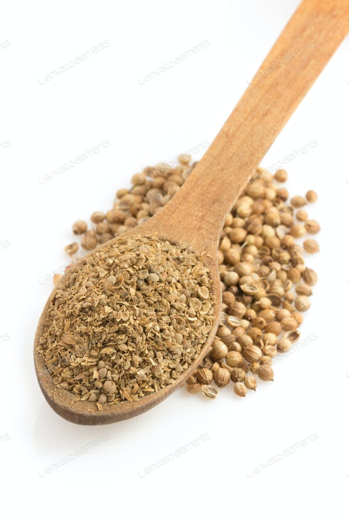 coriander powder and spoon