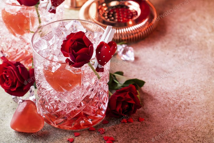 Roses julep Valentine's day cocktail