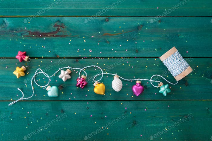 Cheerful Christmas garland