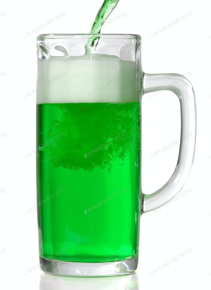 Grüner Bierbecher