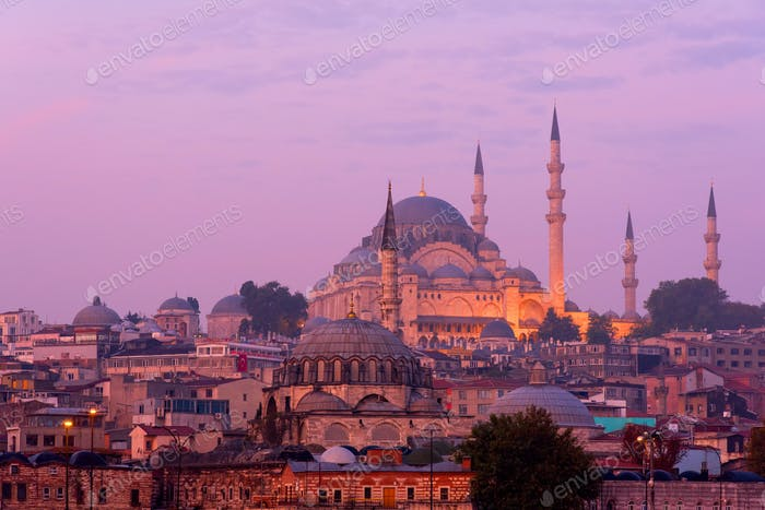 The Suleymaniye Mosque at dusk