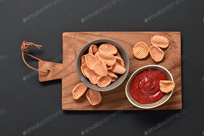 Chips tomato
