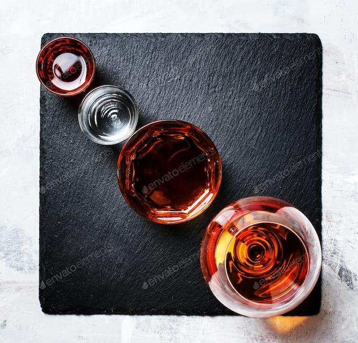 Auswahl an starken Getränken