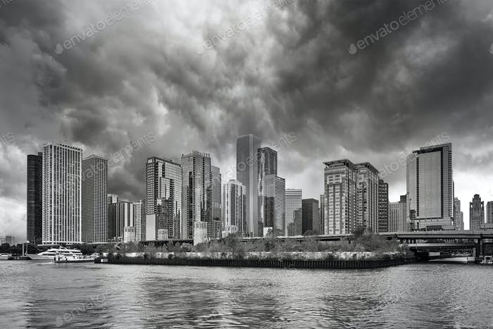 Black and white picture of Chicago downtown on a rainy day.