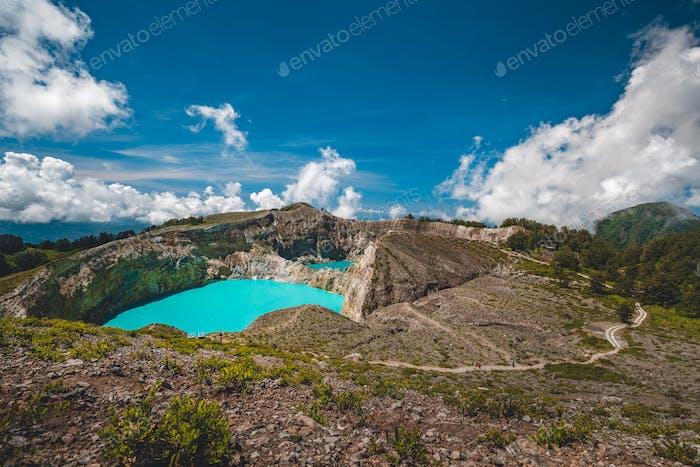 kelimutu crater lakes enchanted place indonesia