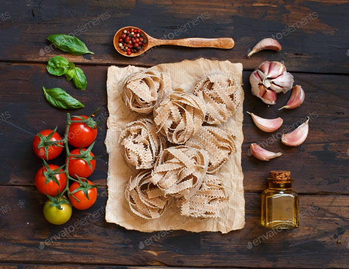 Whole wheat pasta tagliatelle, olive oil, vegetables and herbs
