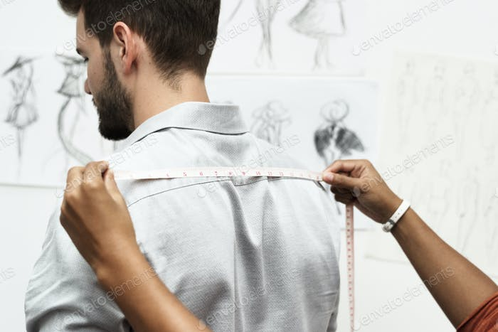 Tailor measuring the body size