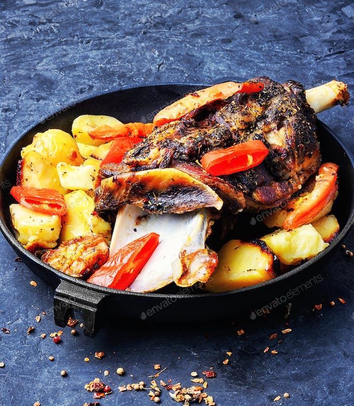 Roast lamb in the pan