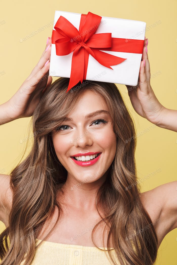 Photo closeup of funny gorgeous woman 20s having long brown hair
