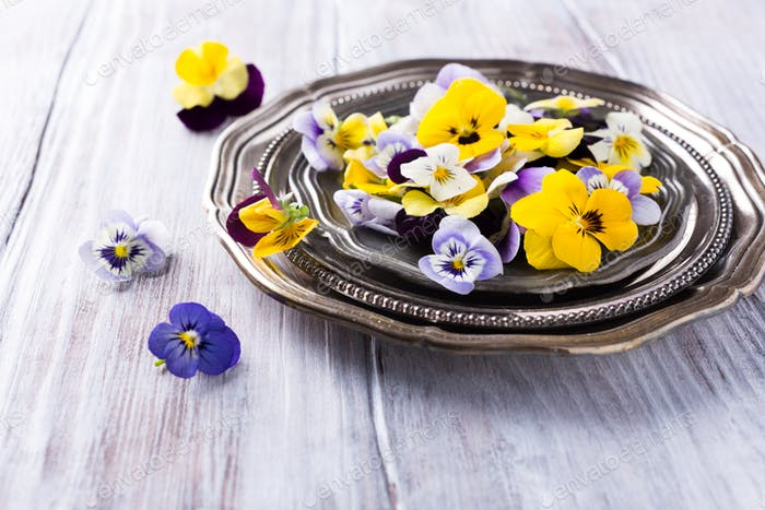 Mix edible flower