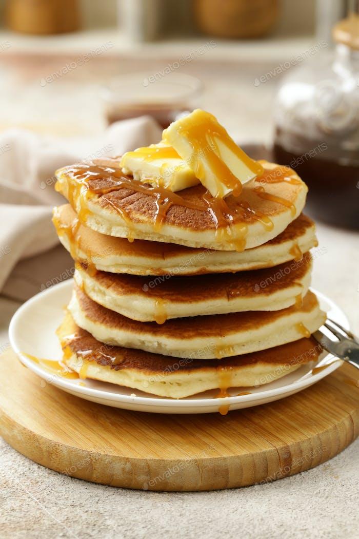 Amerikanische Pfannkuchen zum Frühstück