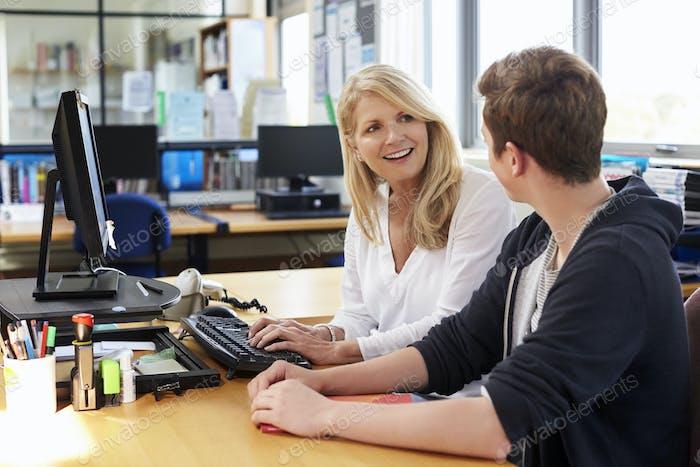 Female Careers Advisor Meeting Male College Student