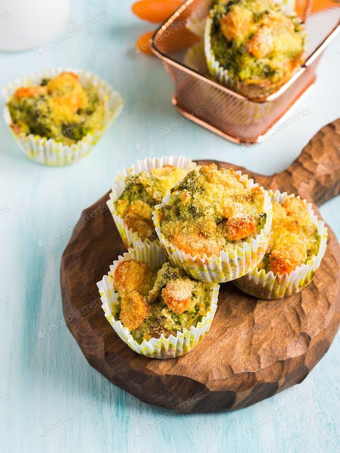 Gesunde Gemüse-Muffins mit Karotte und Brokkoli