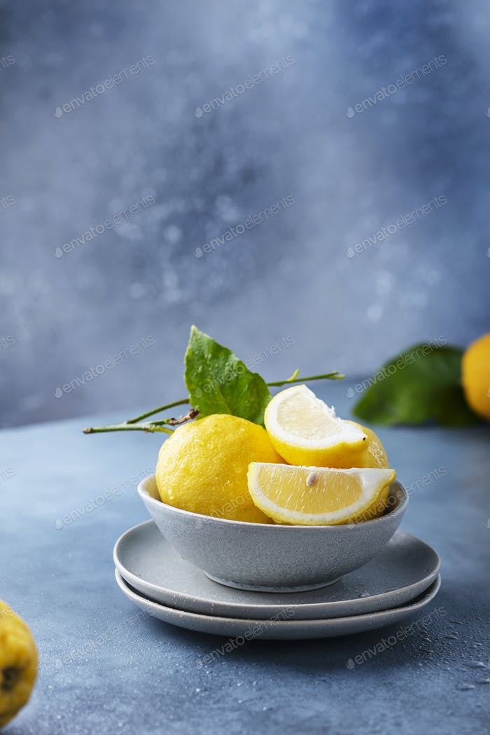 Frische Sizilianer Zitronen
