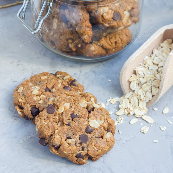 Flourless gluten free peanut butter, oatmeal and chocolate chips cookies, square