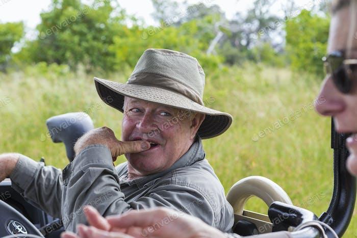 Safari-Führer Blick auf Client, Botswana