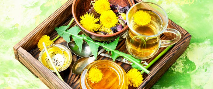 Honey from dandelion and tea