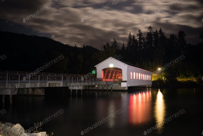 Lowell Covered Bridge Oregon Dexter Reservoir