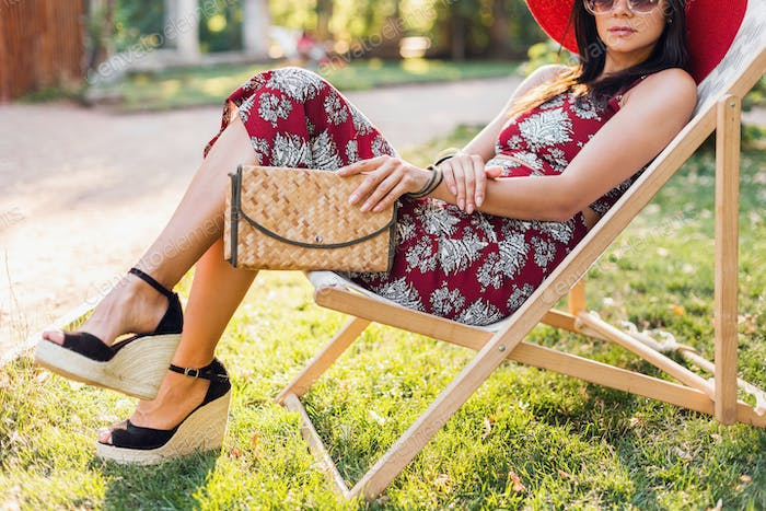 stylish woman in printed outfit, summer style