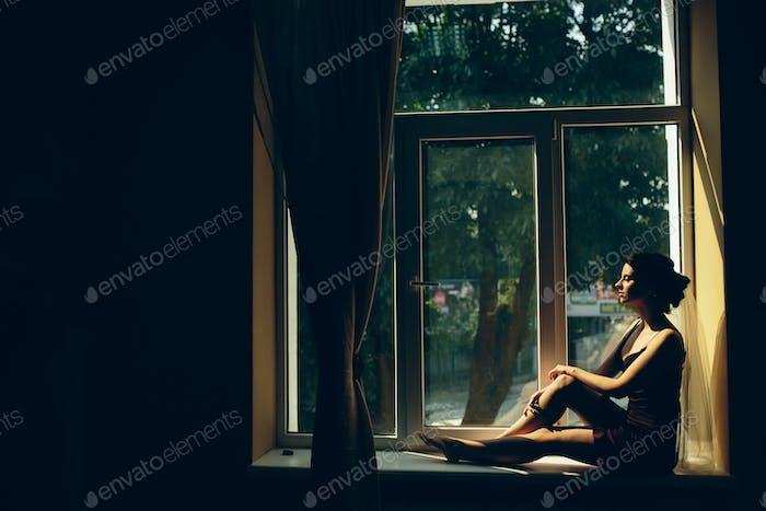Braut Blick durch das Fenster