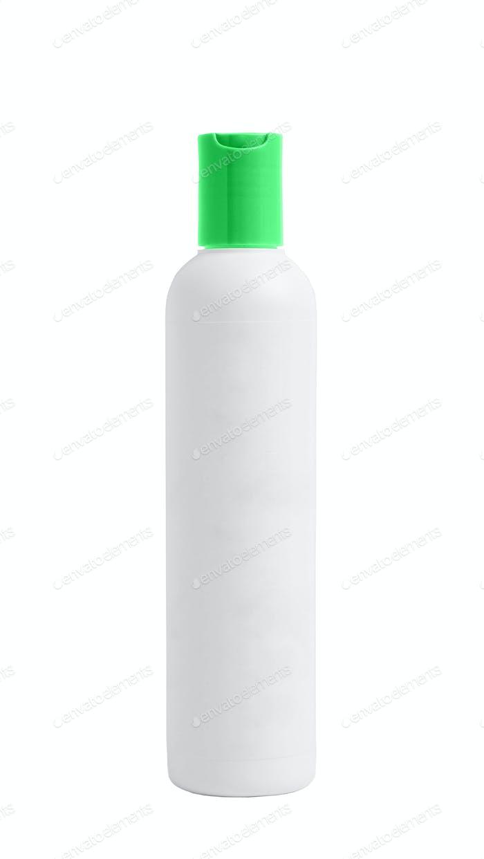 Weiße Plastikflasche isoliert auf weißem Hintergrund