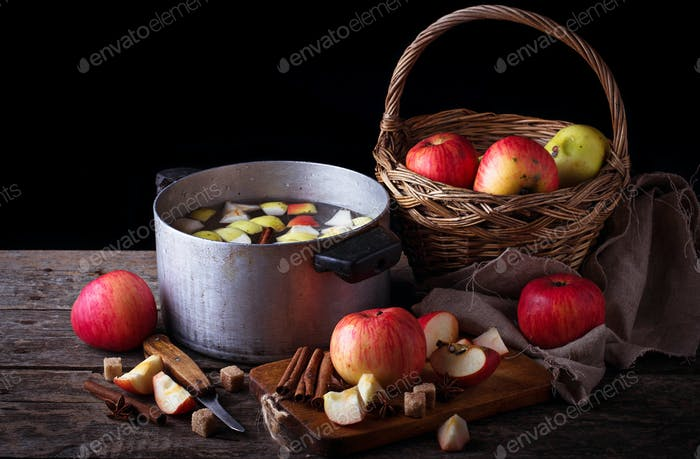 Ingredient for cooking apple cider or compote