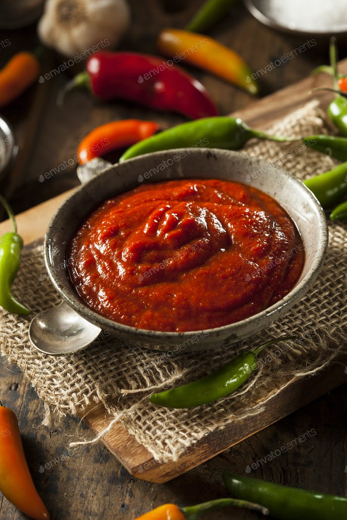 Hot Spicy Red Sriracha Sauce