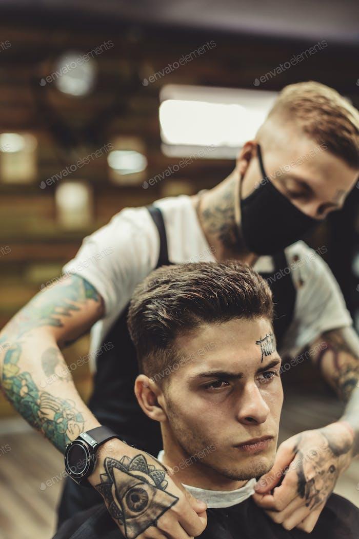 Anonymer Friseur Vorbereitung Client