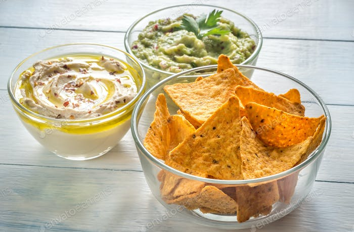 Chips with hummus and guac