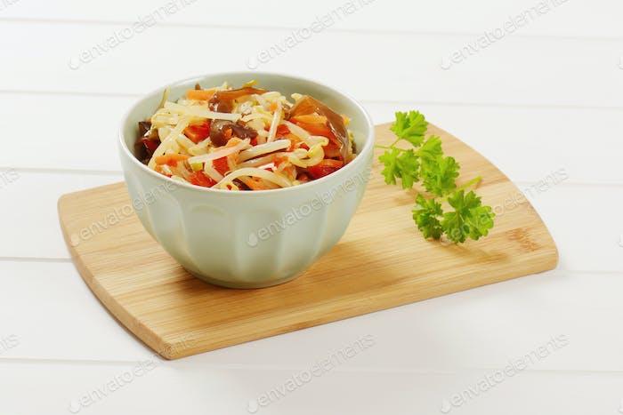 eingelegte Bohnensprieß-Salat